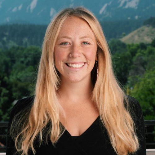 Photo of Julia Simoes